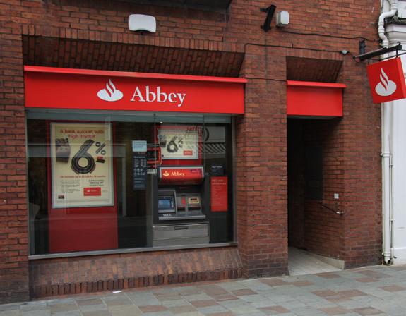 Abbey Banks - 20-22, Toll Gavel, Beverley, East Yorkshire, HU17 9AP - 0845 7654321
