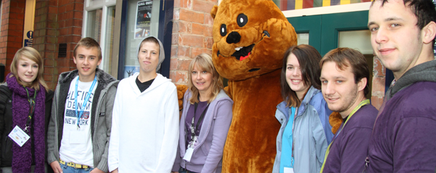 Today, a team of young volunteers turned out from CSV East Riding's Vinvolved Team and...