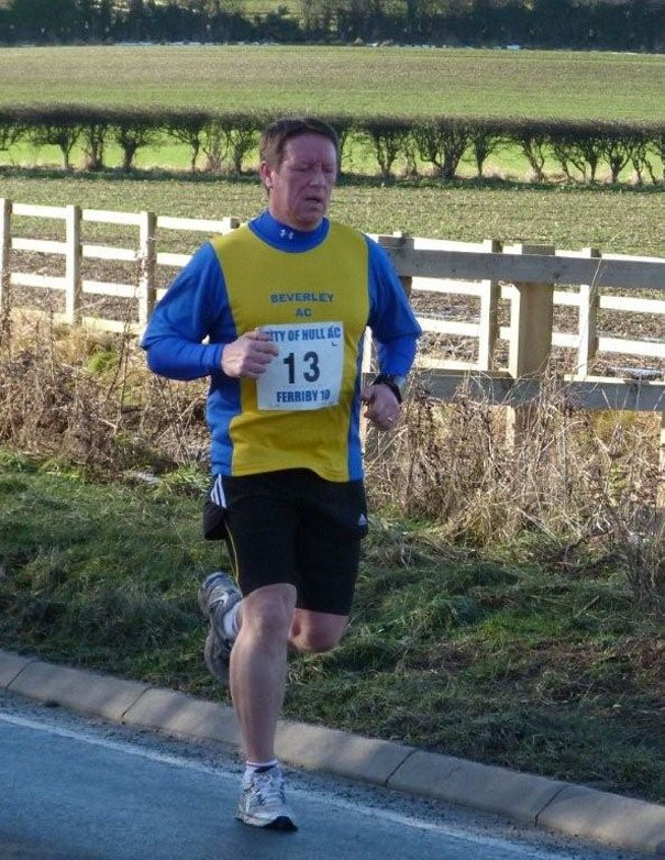 Runners Brave Weather To Take Part In Ferriby 10
