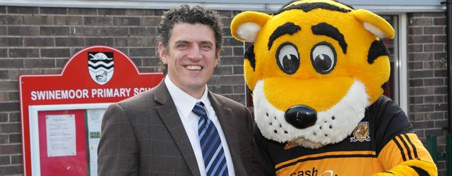Swinemoor School Get Visit From Roary The Tiger