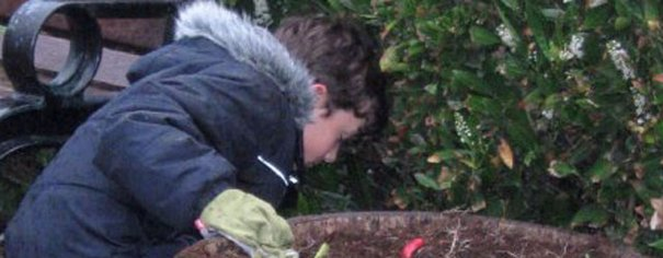 Beverley In Bloom Get Help From Local Scouts