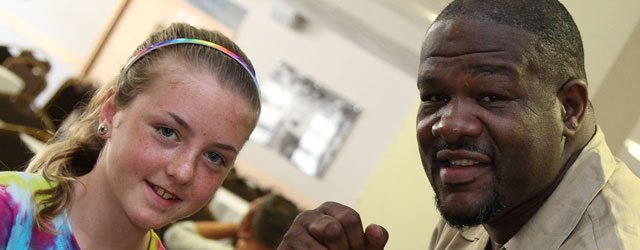 Former World Heavy Weight Champion Riddick Bowe To Fight In Hull