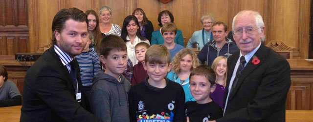 Tickton School Crossing Petition Handed To Council By Parents And Children