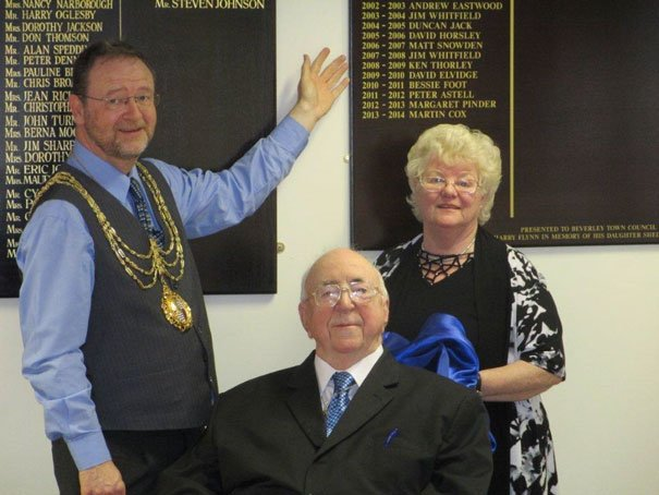 Presentation of Honorary Freeman and Mayoral Boards