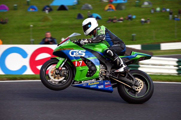 Dominic Usher Crashes Out At Cadwell PArk