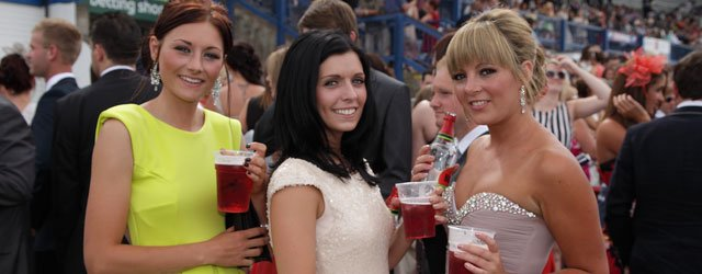 Beverley Races Ladies Day - Reminder For Race-Goers To 'Think B 4 U Drink'