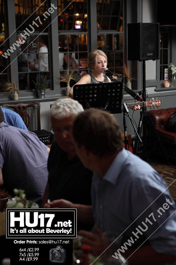 OUT & ABOUT : Music Night At The Rose & Crown