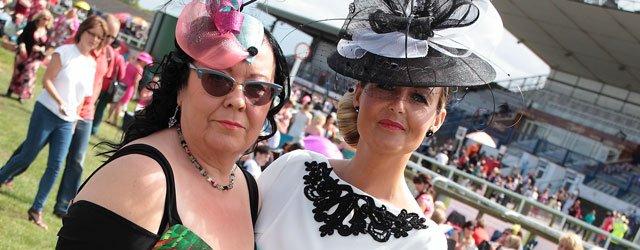 BEVERLEY RACES LADIES DAY : Julie Short Wins Best Dressed