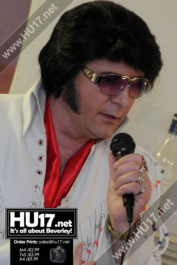 Elvis Tribute Sings All The Hits At Queen's Head - Steve1