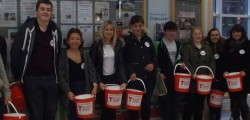 Tesco were pleased to welcome students from East Riding College to bag pack in our store on Saturday 23rd January.