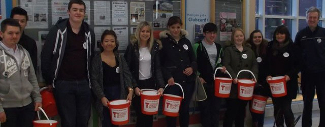 East Riding College Tesco Bag Pack Raises £357 For Teenage Cancer Trust