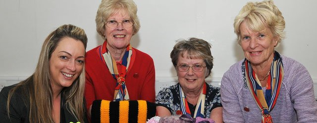 Calling All Knitters – People Living With Dementia Need Your Help