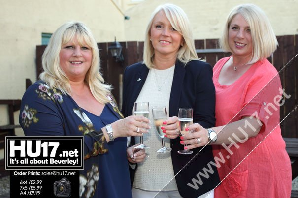 OUT & ABOUT : Triple Birthday Celebrations @ The Royal Oak