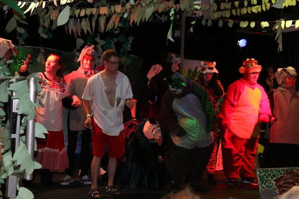 Drama Group Open The Main Stage At New Festival
