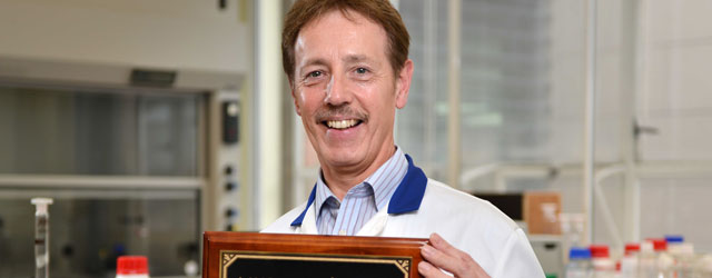 Dry Water Professor Collects Prestigious American Award