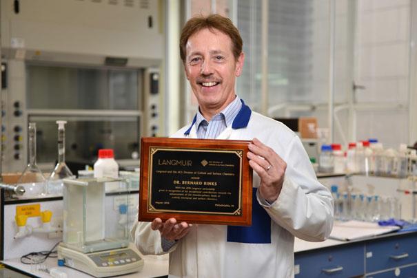 Dry Water Professor Collects Prestigious American Award