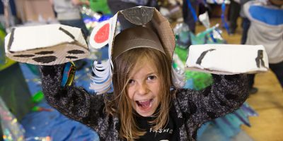 HULL : Parading Around In Orchard Park, Stilts And All