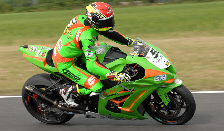 James Westmoreland Completes R5 Of British Superbike Championship