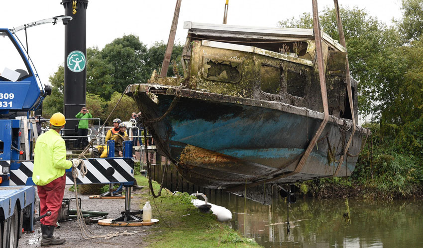 Plans Finalised By Council To Remove Sunken Vessels From River Hull