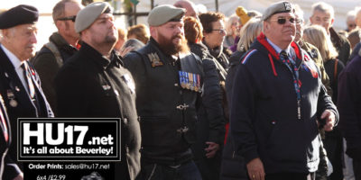 ARMISTICE DAY : Shoppers and Traders Join Veterans To Remember