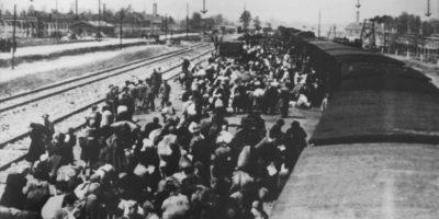 Holocaust Memorial Day in Hull
