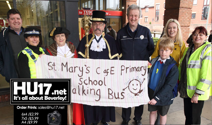 Park and Stride - St. Mary's Primary School's Walking Bus