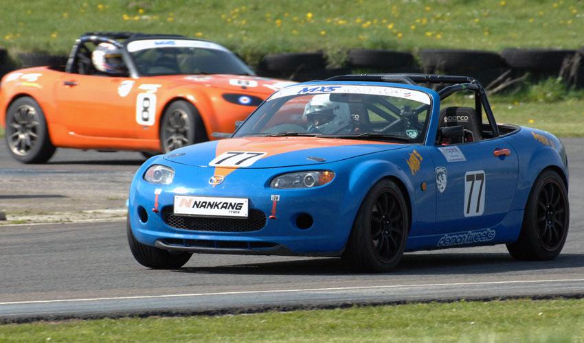 Brough's Andrew Pretorius Races Well In MaX5 Championship