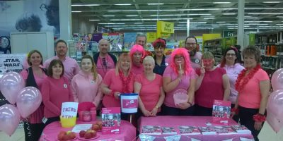 Tesco Turns Pink Event Raises £190 For Cancer Research UK