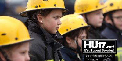 Local School Spend Day With Humberside Fire & Rescue Service