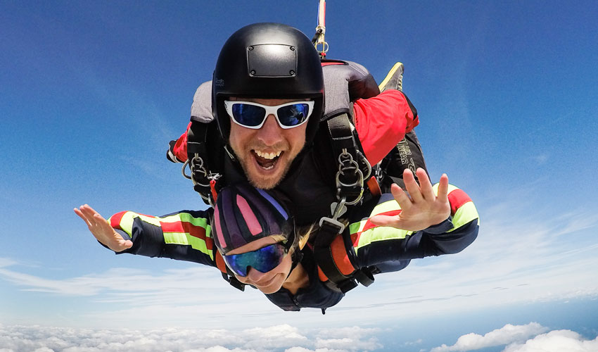 Call For Participants At The Yorkshire Air Ambulance Charity Skydive Day