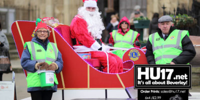 Lions Team Up With Flemingate By Bringing Santa To Meet Shoppers
