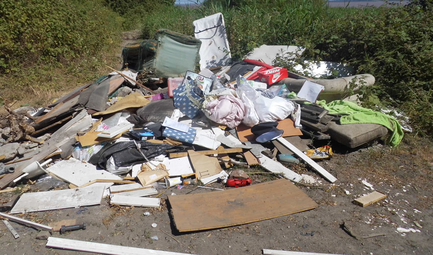 Hull Man Fined £400 For Dumping Bags Of Rubbish In Melton