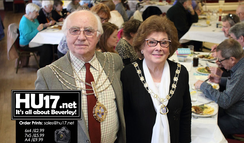 Mayor of Beverley's Hosts His Pensioners Lunch At Armstrongs