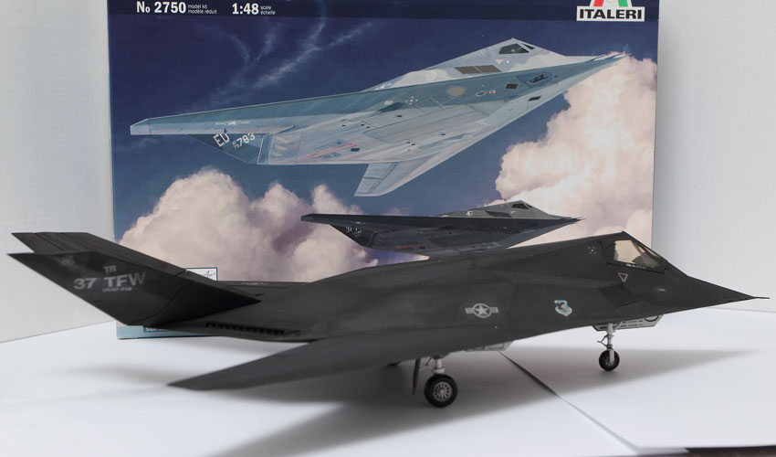 Lockheed F-117A Stealth Nighthawk 1:48 By Italeri