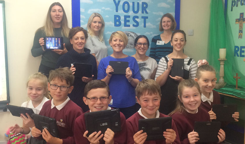 Parents Raise £10,000 To Buy 30 New iPads For School