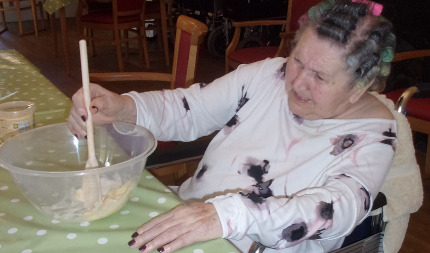Residents At Manor House Care Home Get A Slice Of The Gbbo Action