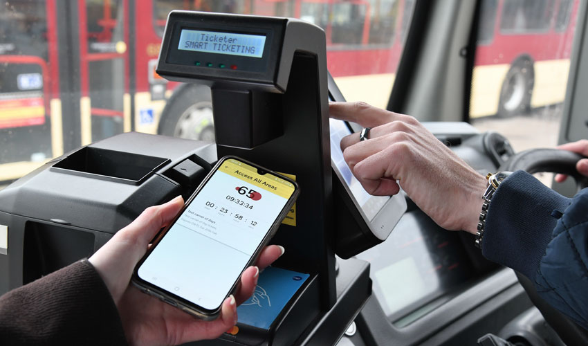 Bus Company Unveils New Flexible Tickets For Summer Travellers