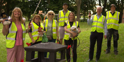 MP Meets The Wombles Of Beverley While Taking Part In Litter Pick